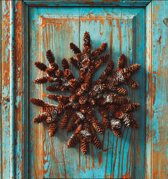 pine+cone+decor.jpg