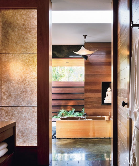 reclaimed wood horizontally in bathroom