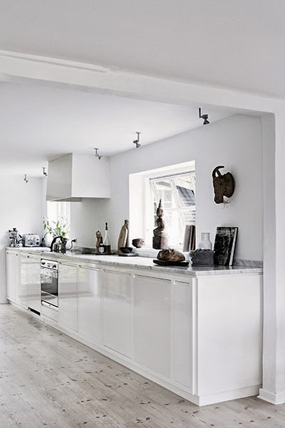 summer+white+kitchen.jpg