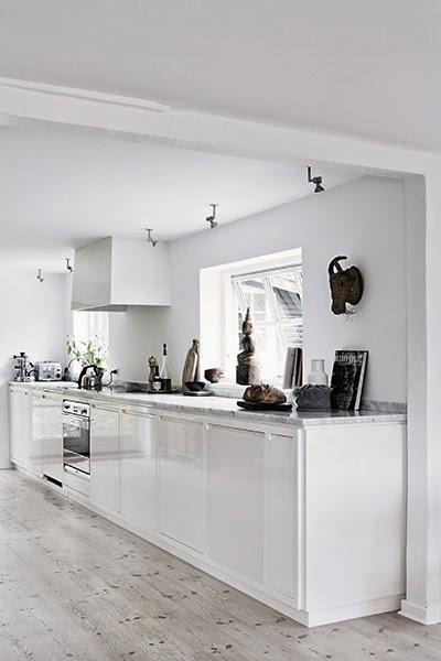 summer+white+kitchen.jpg