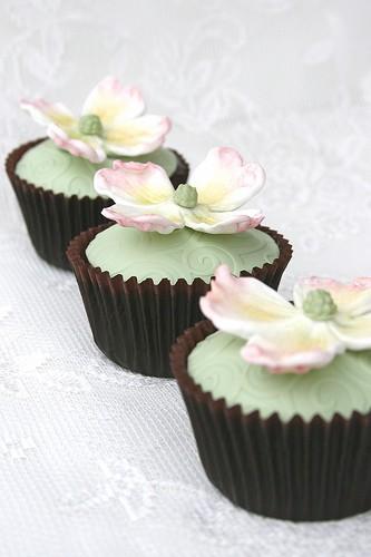 dogwood+cupcakes.jpeg