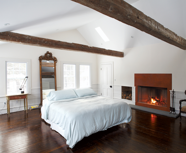 floating-farmhouse-master-bedroom.jpg