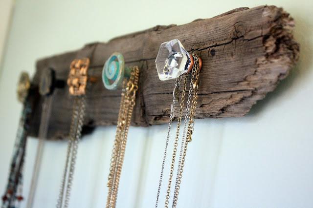driftwood jewellery holder