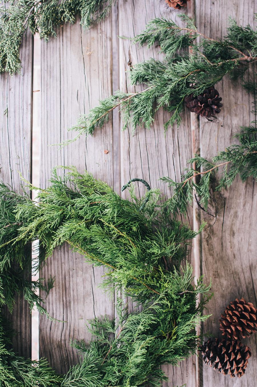 simple organic greenery wreath