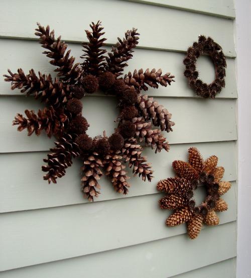 DIY pine cone wreaths