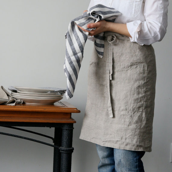 linen apron - sustainable gift guide