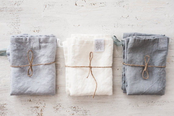 linen napkins - sustainable gift guide