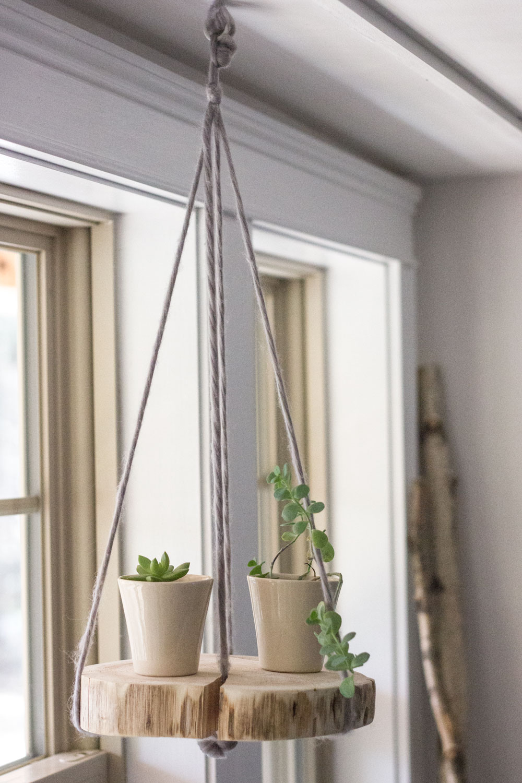 DIY round wood shelf plant hanger