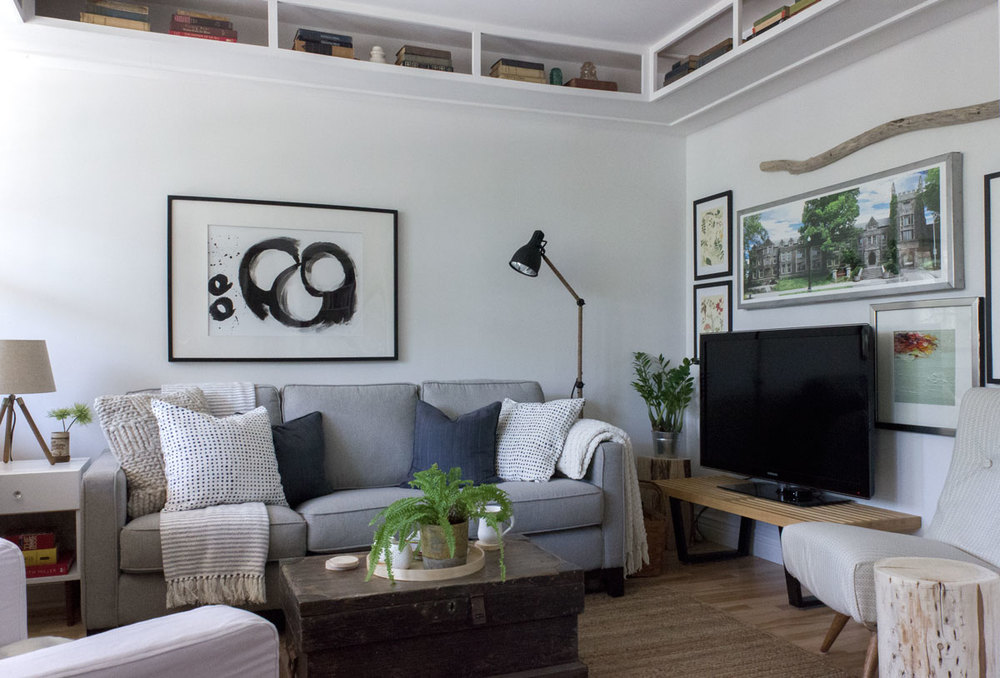how to position the tv low and off centre so it's not a focal point
