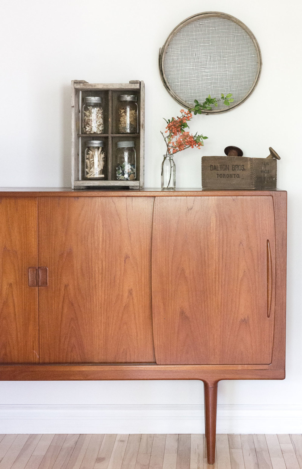 how to create a vintage modern vignette