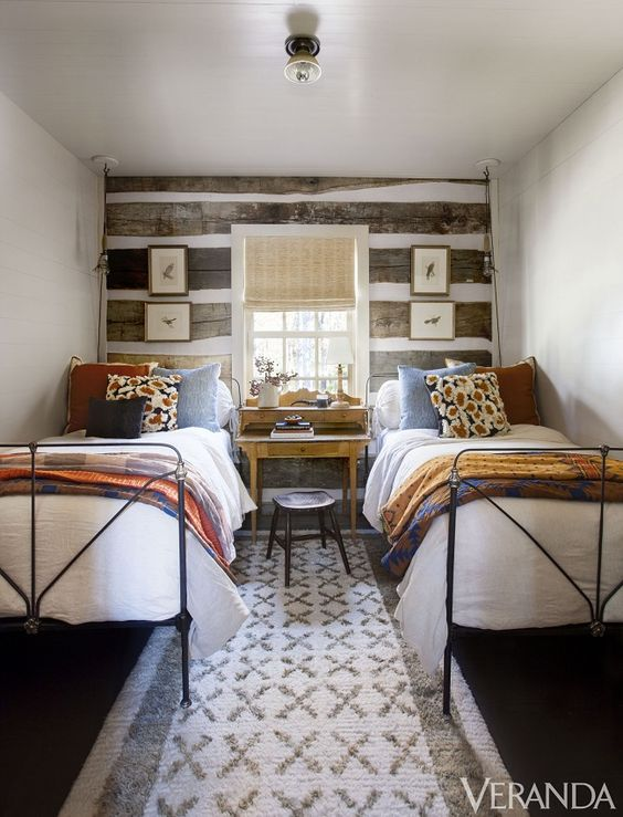 cabin guest bedroom with twin beds