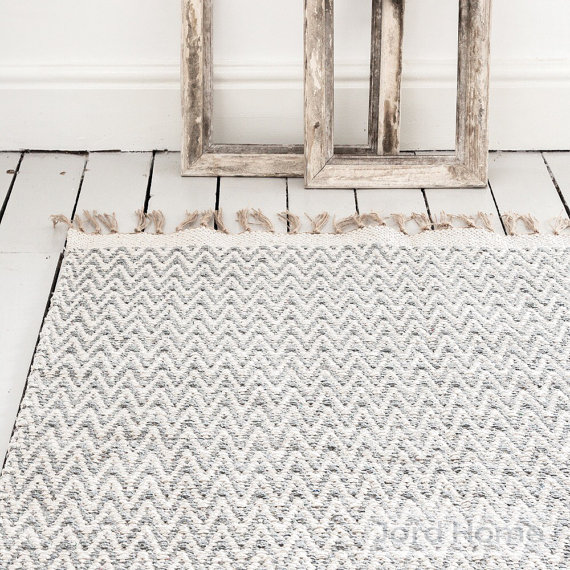 handwoven cotton chevron rug - best of Etsy for a natural summer home