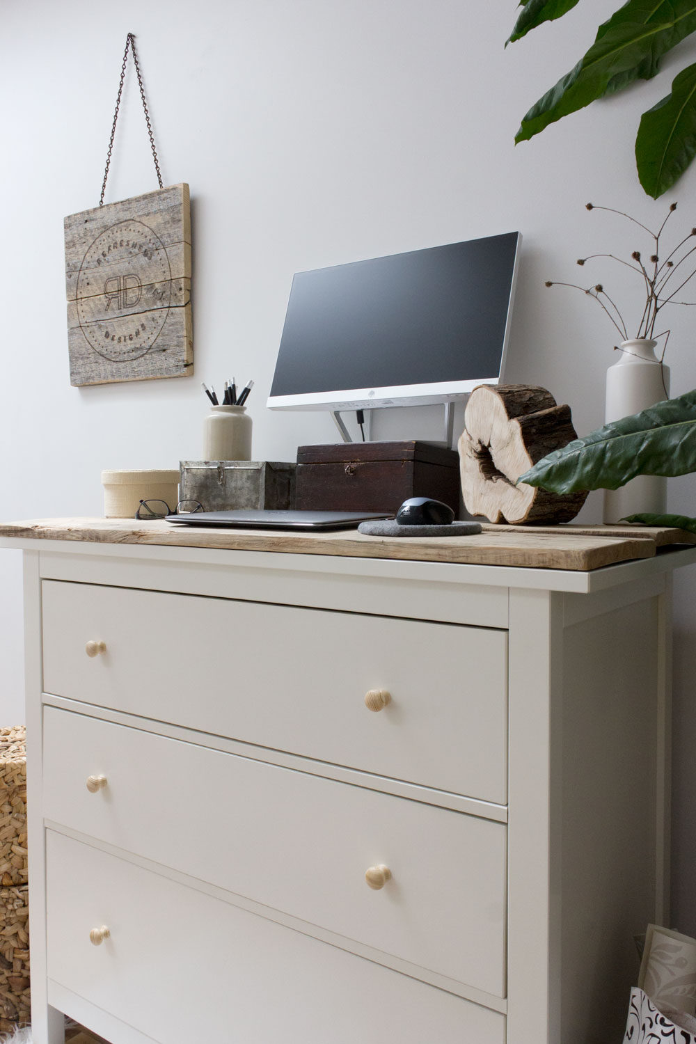 How to Maintain Balance When Working From Home