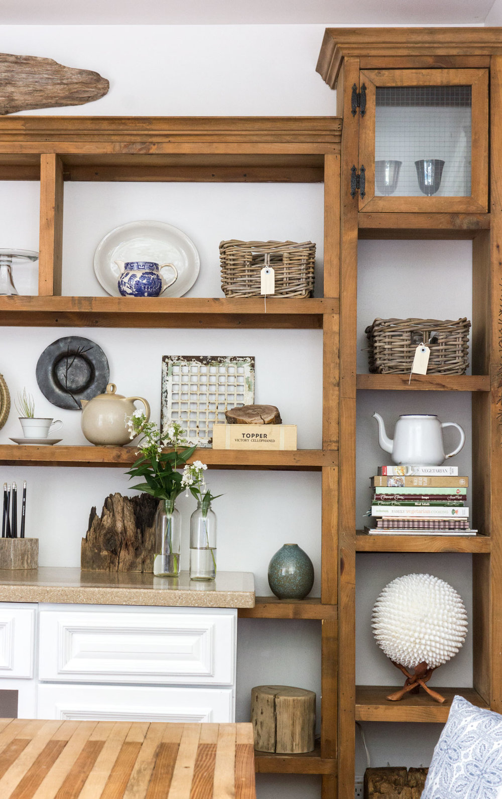 dining-room-shelving.jpg