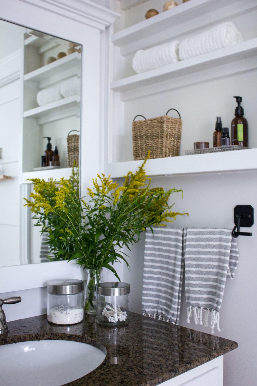 pretty-neutral-bathroom.jpg