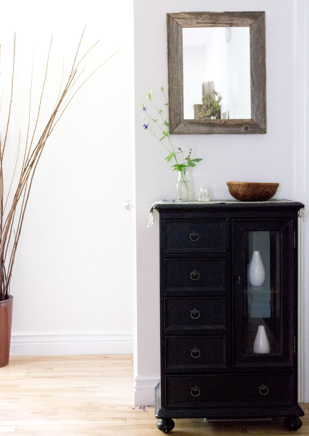 5 essentials for a functional entryway and simpler life