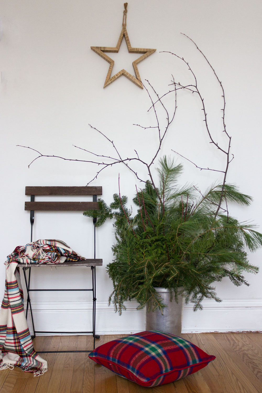 Simplify the Holidays - Decorate Naturally