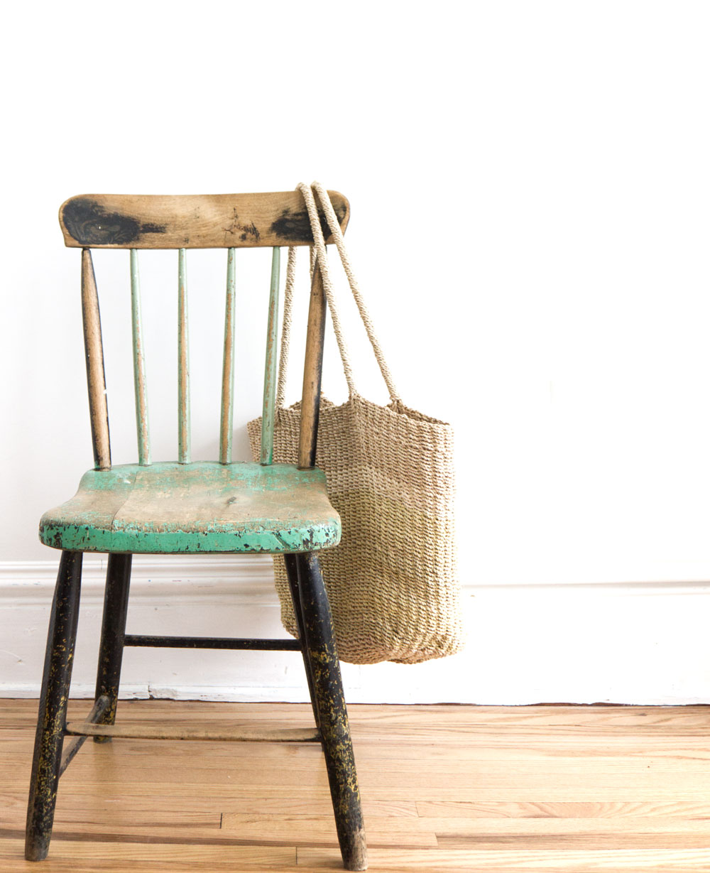 How to Start Decluttering without feeling overwhelmed - take action with a 15-minute declutter dash