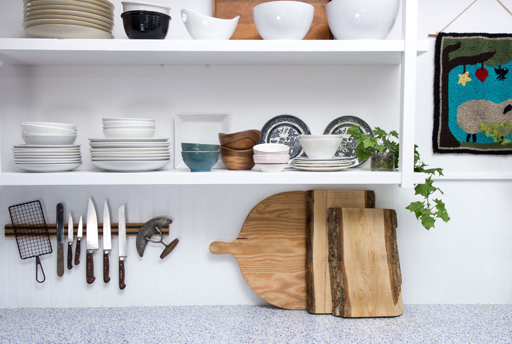 eclectic-kitchen-shelf-styling.jpg