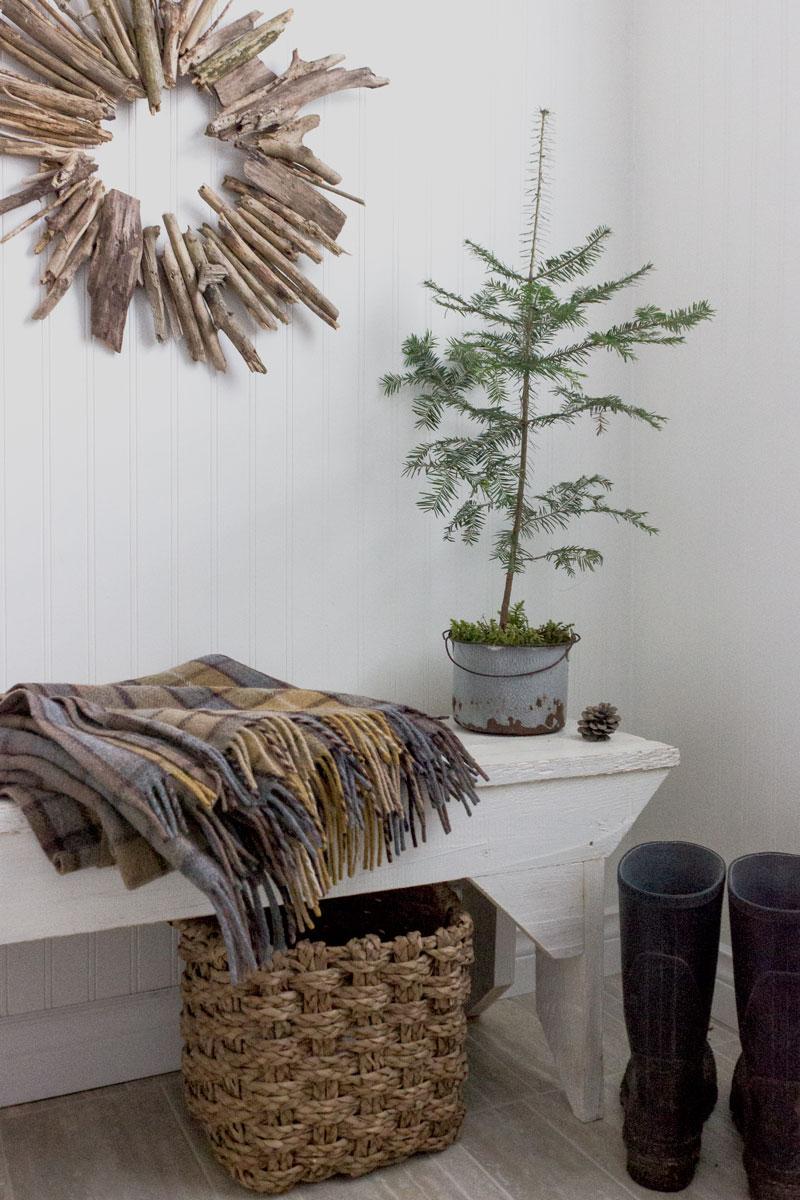 driftwood DIY Christmas wreath