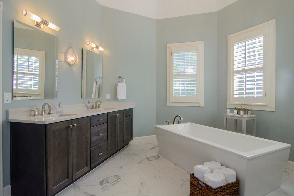Hollywood Master Bath
