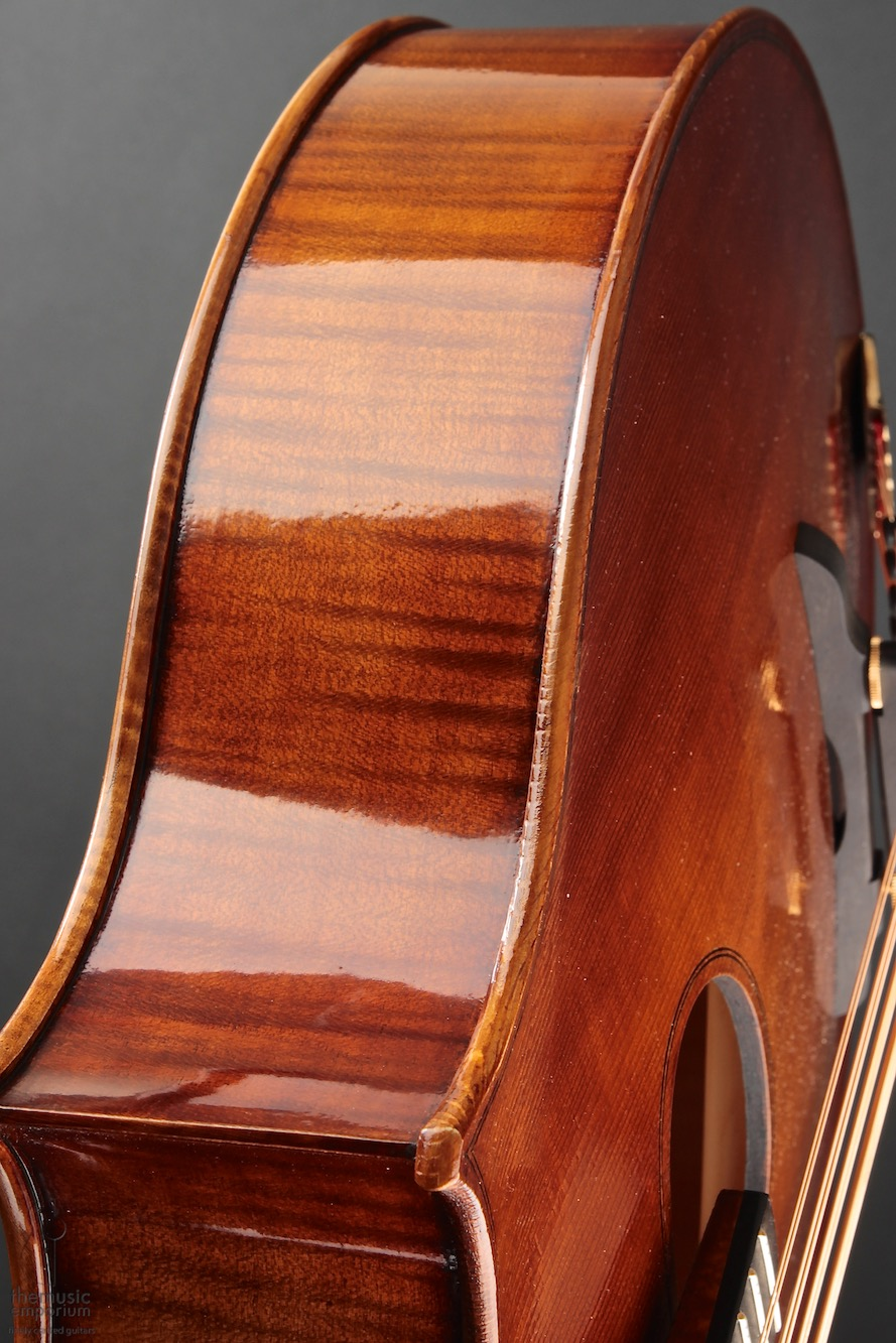 CAM-CELLO_750_8.jpg