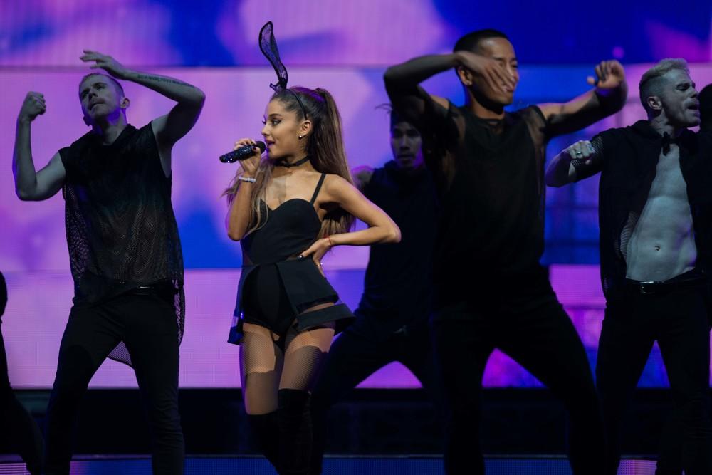 Ariana Grande 2015_0723-3.jpg