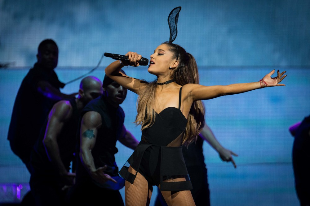 Ariana Grande 2015_0723-9.jpg