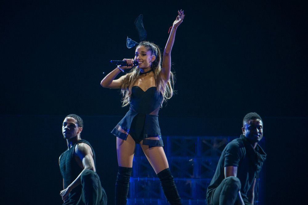 Ariana Grande 2015_0723-13.jpg