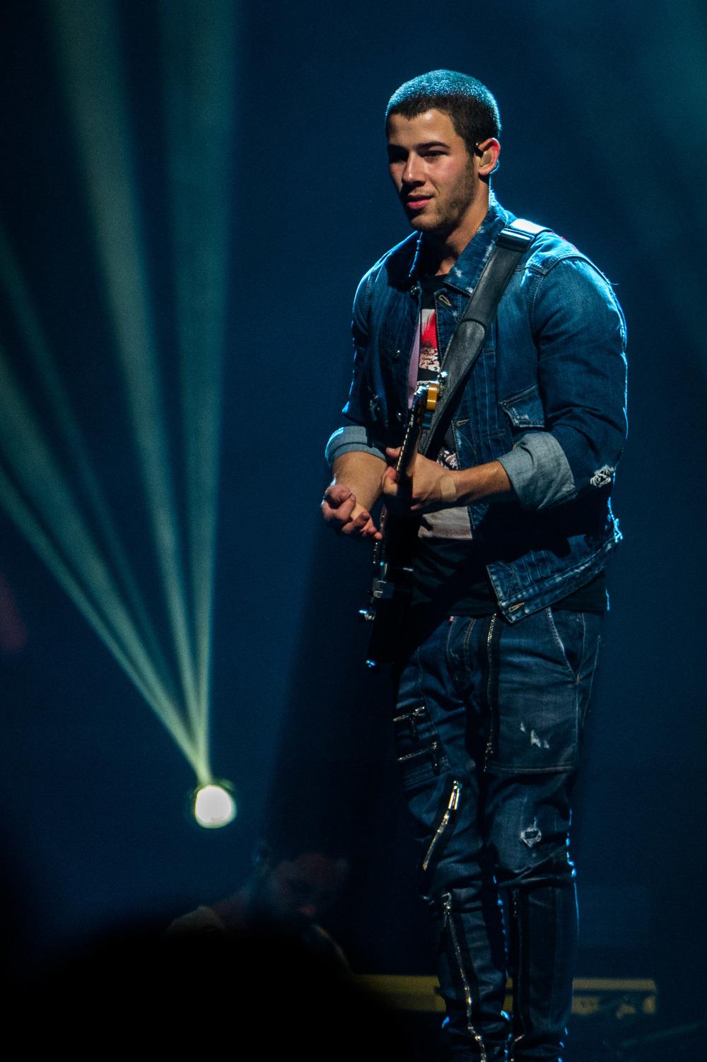 Nick Jonas-15.jpg