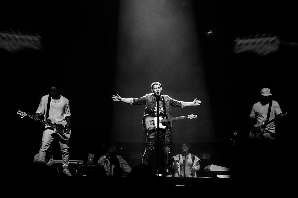 Nick Jonas-16.jpg