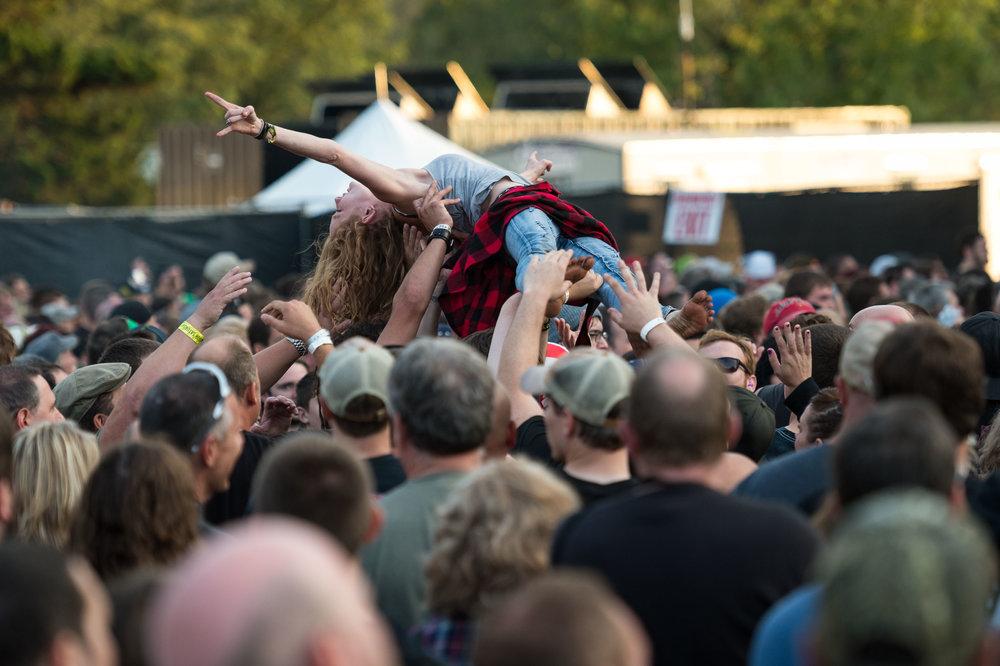 Crowd-21.jpg