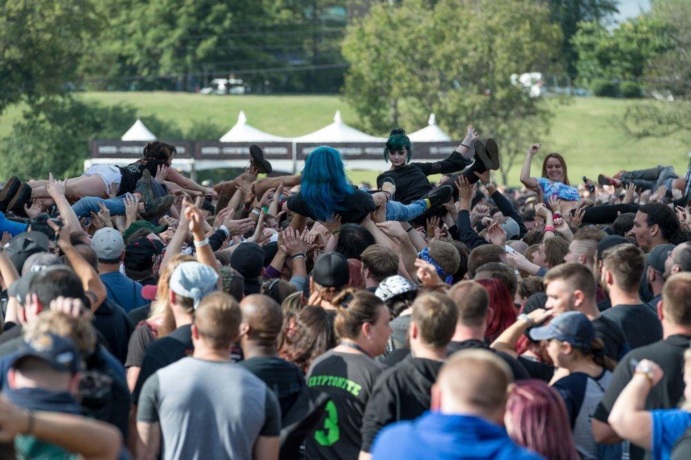Crowd-26.jpg