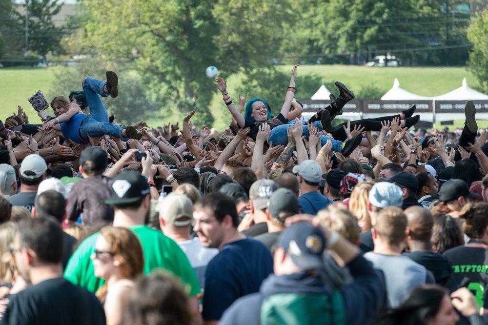 Crowd-27.jpg