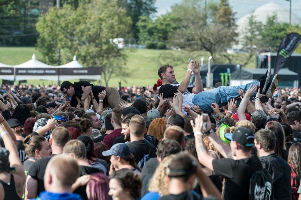 Crowd-29.jpg