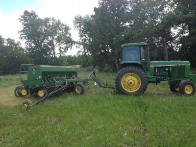 The new Community Solutions tractor plants the first cover crops at Agraria.
