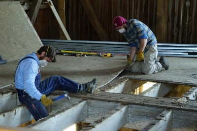 Gabby & Matthew pull floor smaller.jpg