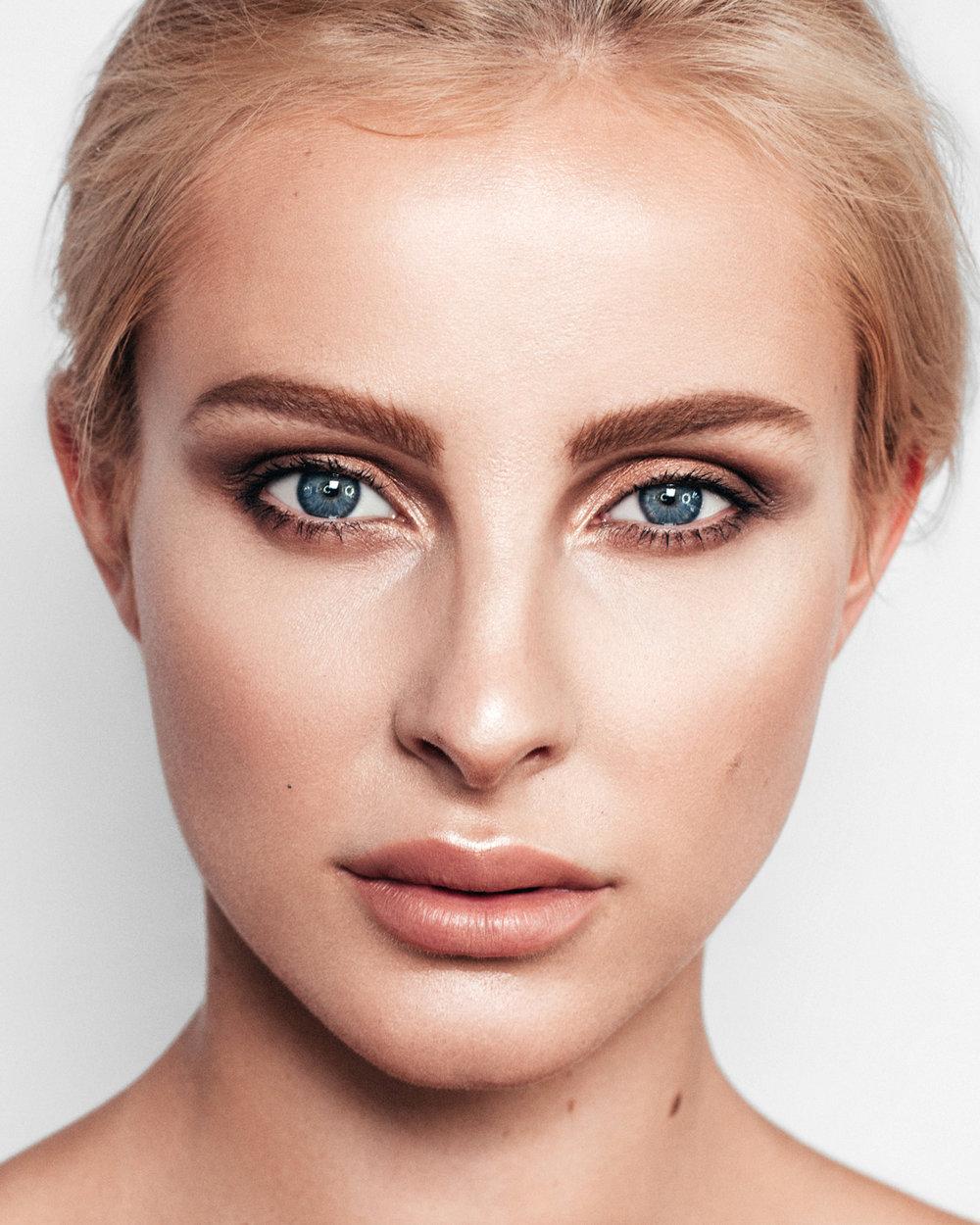 paulina-pecak-OMA-makeup-artist-educator_07_2.jpg