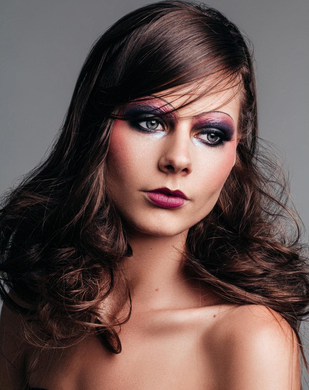 paulina-pecak-OMA-makeup-artist-educator_17_1.jpg