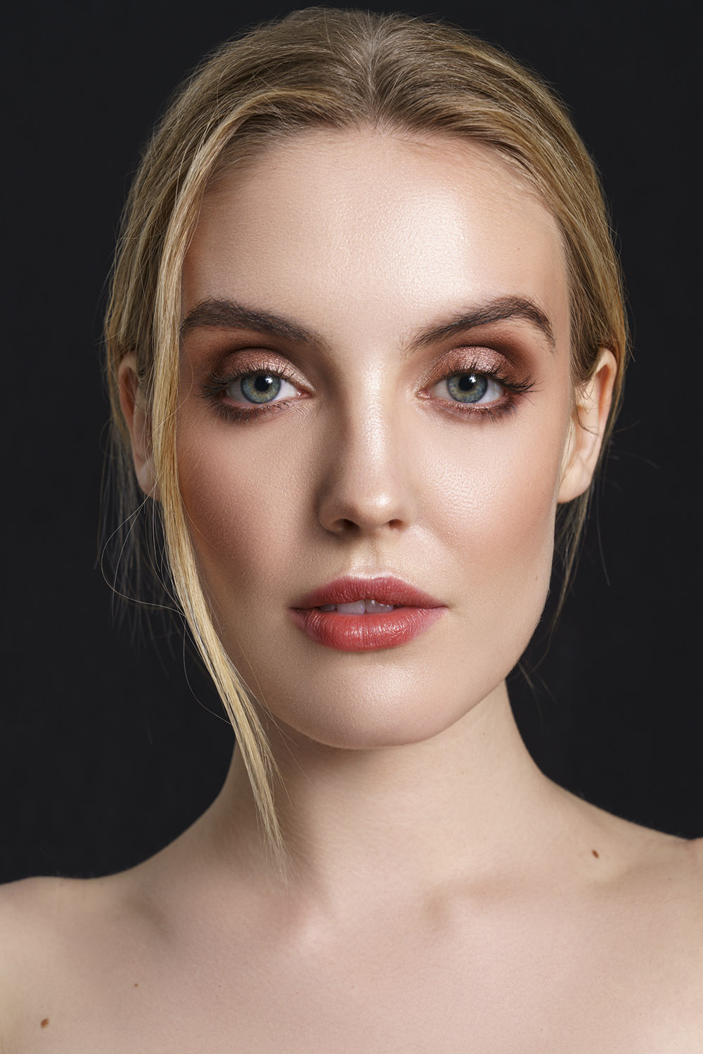 Online-makeup-academy-portfolio-1.jpg