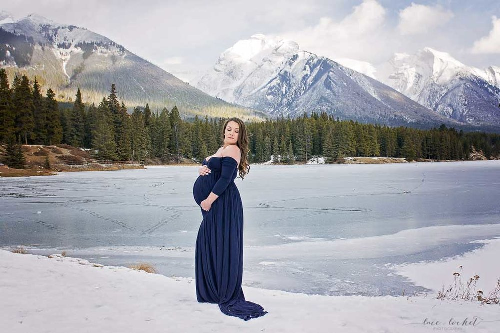 airdrie maternity photographer lace-and-locket-photo--32.jpg