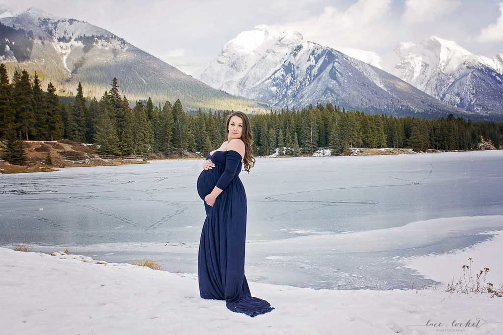 airdrie maternity photographer lace-and-locket-photo--33.jpg