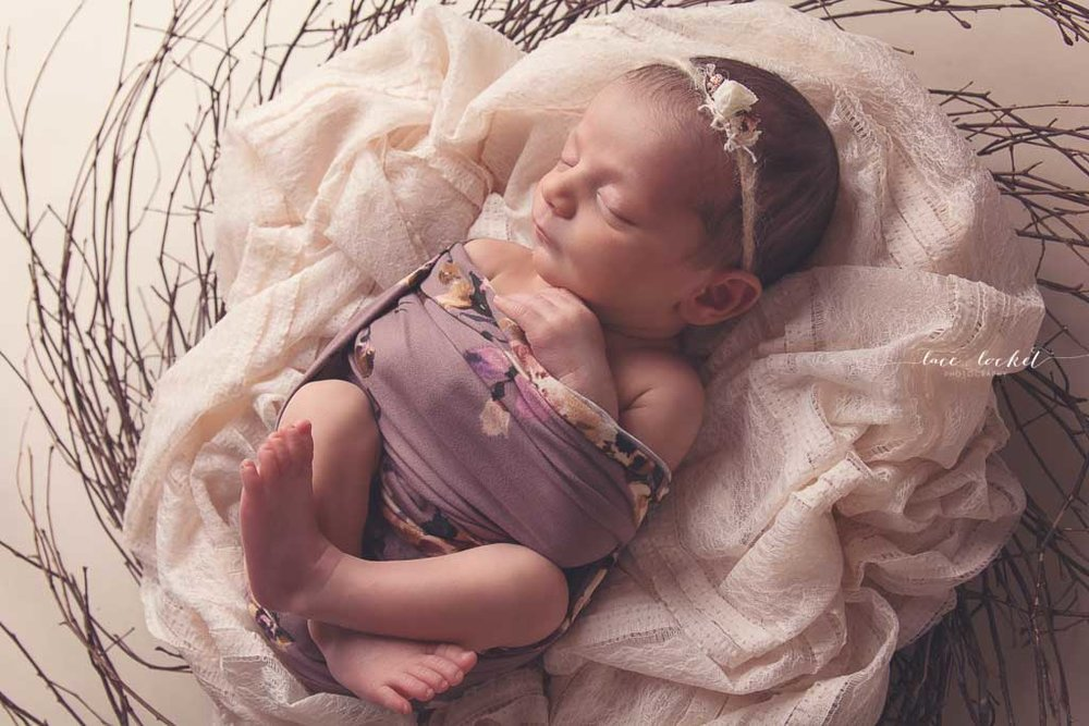 Lace & Locket Photo -Airdrie Newborn Photographer-36.jpg