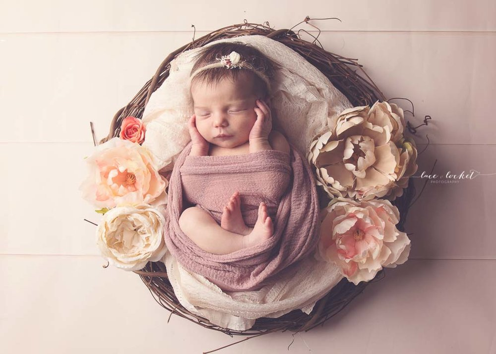 airdrie newborn photographer-lace-and-locket-photo--41.jpg