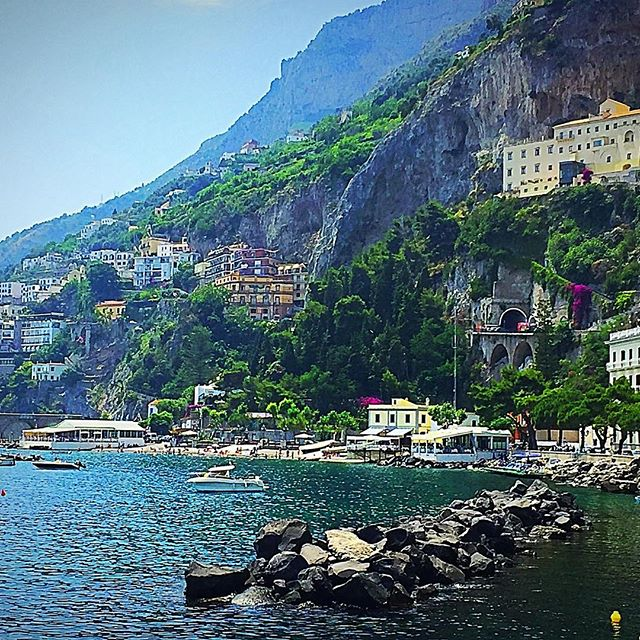 Soooo hard snapping out of my honeymoon haze when just a few days ago I was looking at this. #amalficoast  #travel #vacation #honeymoon #honeymoonhaze #amalfi #positano #salerno #italy #wanderlust #happilyeveralter #takemeback #gettingmarried #engaged #bridetobe #teambride #weddingplanning #workmode