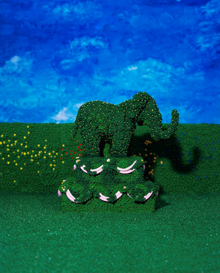 4elephanttopiary_copy.jpg