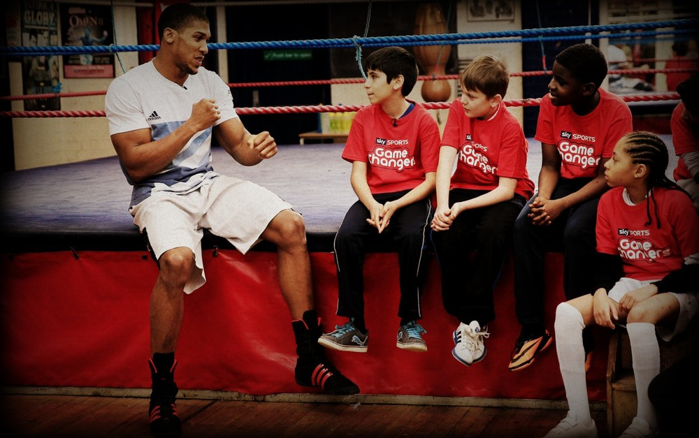 anthony-joshua-with-youth3.JPG