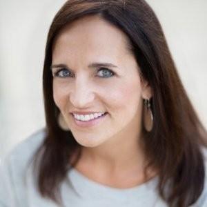 Nicole Leone headshot