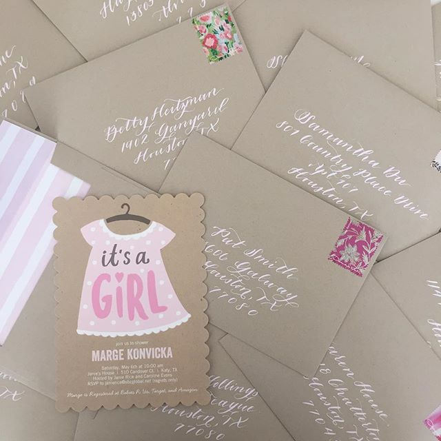 These baby girl shower invites have me all 😍😍😍👼🏻🎀💗