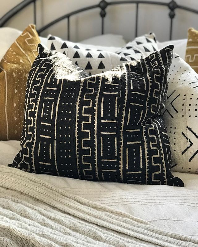 Get your home #instagramready with our new handmade #mudcloth pillows.  #instagramhouse #instahouse #instagram #love #instalove #pillowlove #pillows #mudclothpillows #pillowlove #mustard #black #white #blackandwhite #bedroomdecor #bedlove #stayinbed #snowyday #shabbyalpaca
